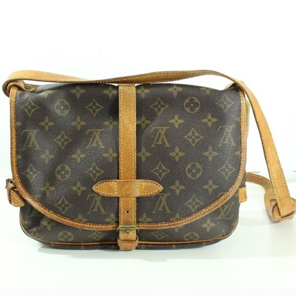 2fceb6742767 Louis Vuitton Handbags - AUTHENTIC Louis Vuitton Saumur 28 30 Crossbody Bag